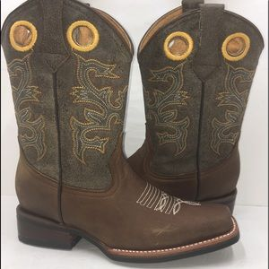 Women's Cowgirl Boots Brown Color